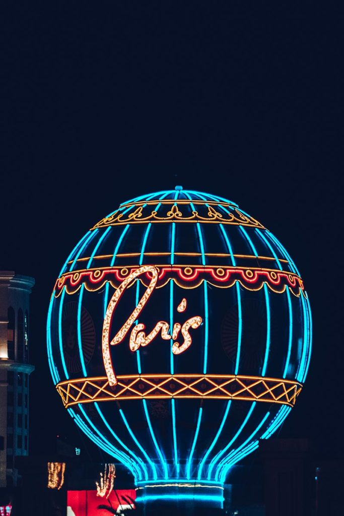 Refuse to hibernate Las Vegas hôtel Paris montgolfière de nuit