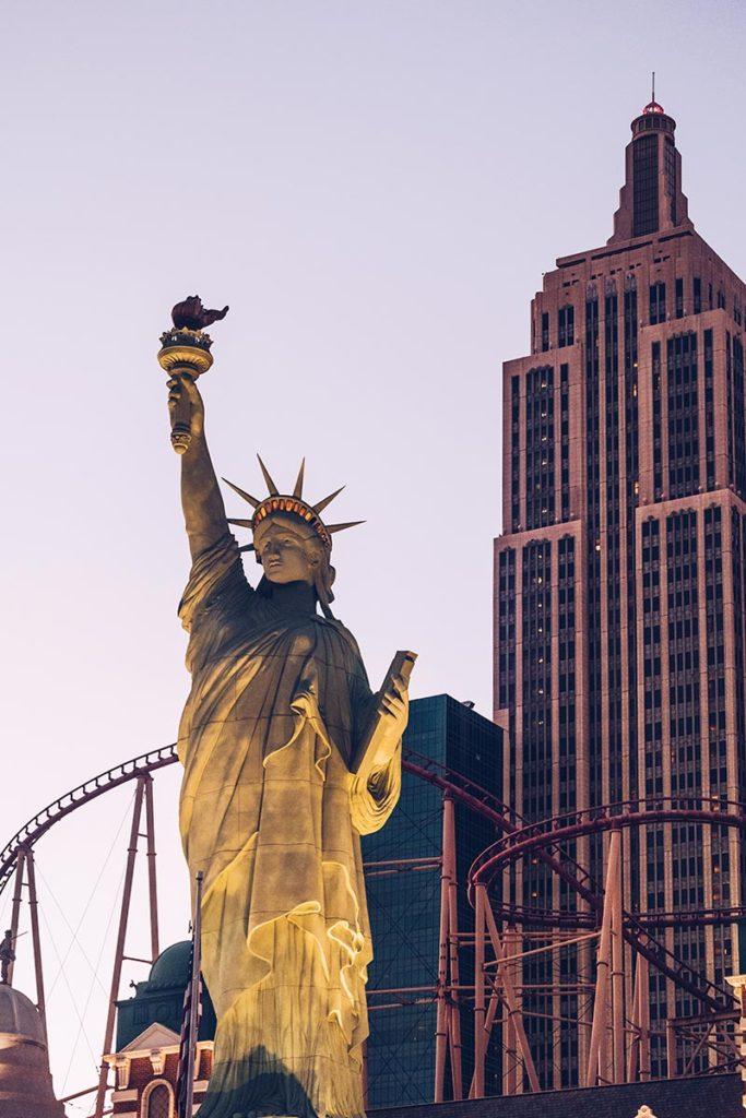 Refuse to hibernate Las Vegas statue de la Liberté réplique