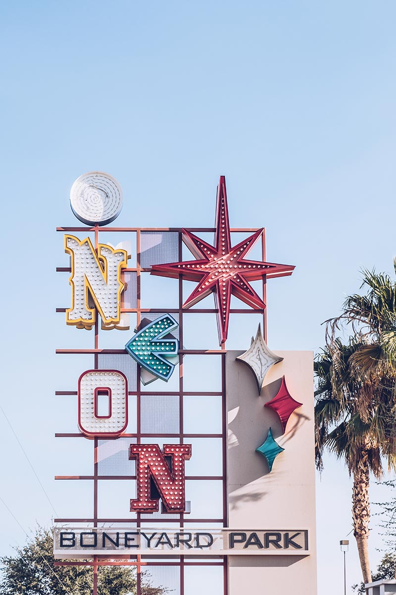 Refuse to hibernate Las Vegas The Neon Museum enseigne