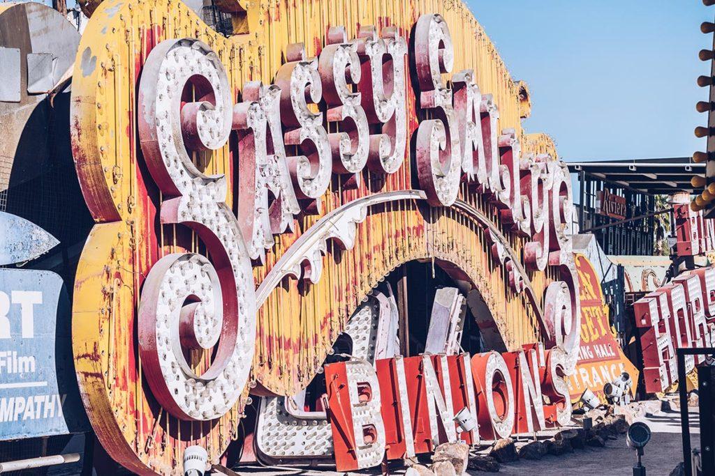 Refuse to hibernate Las Vegas The Neon Museum lettres
