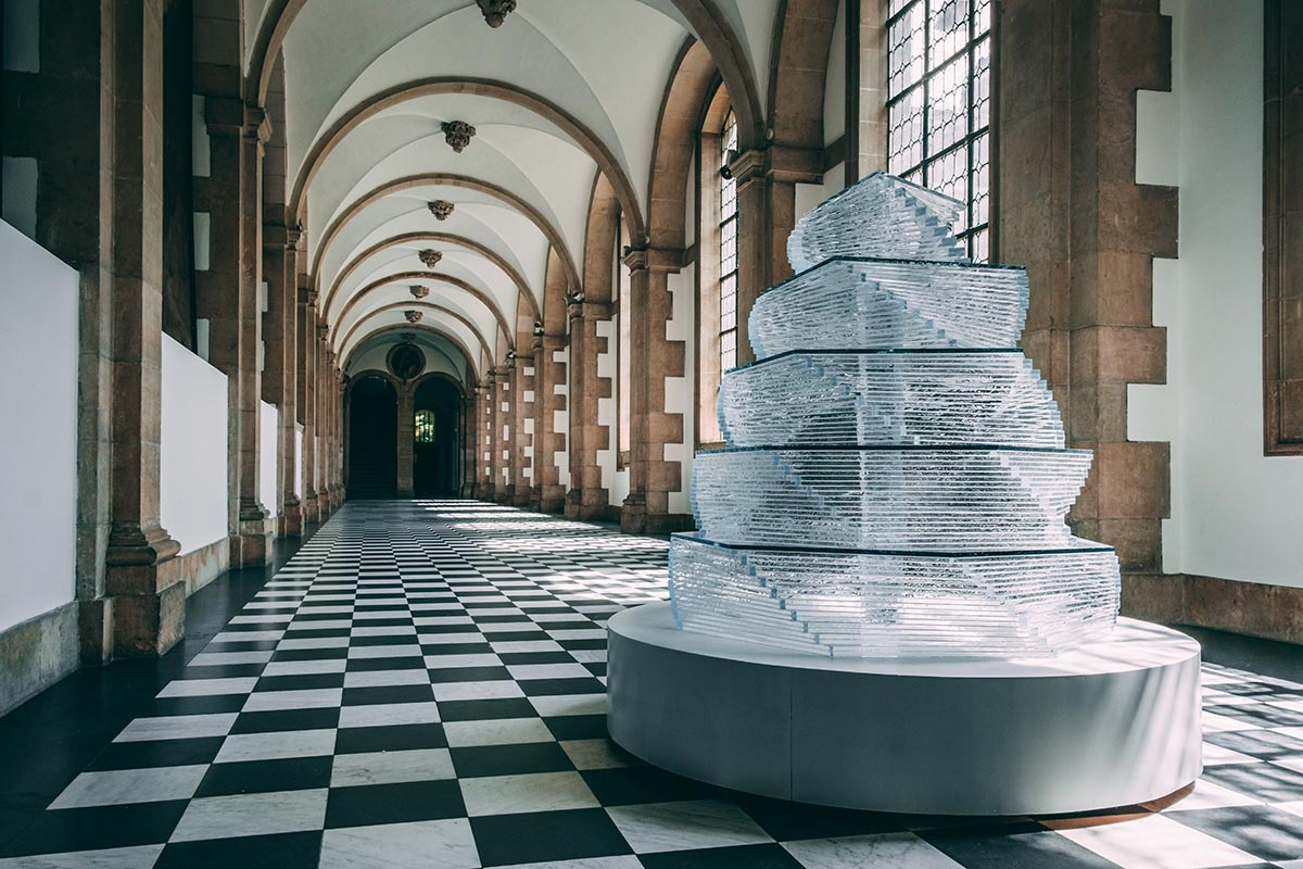 Refuse to hibernate Triennale Bruges Fountain of Life