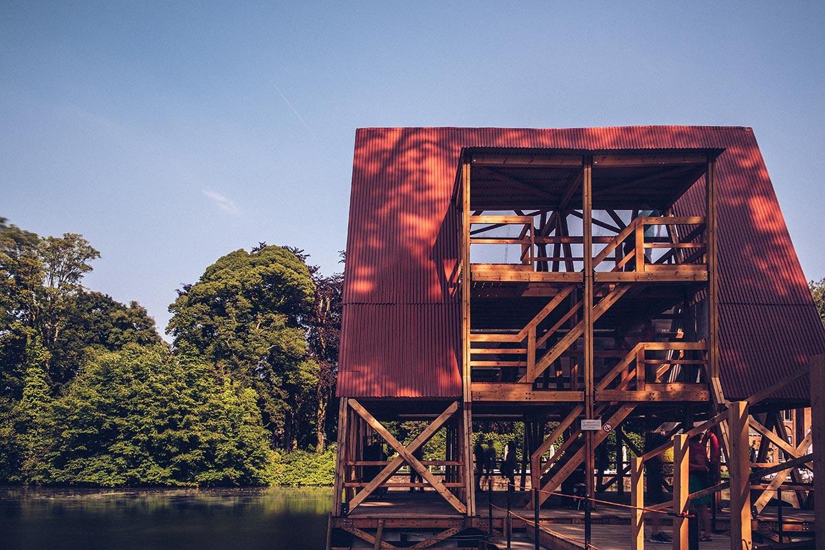 Refuse to hibernate Triennale Bruges Minne Floating School