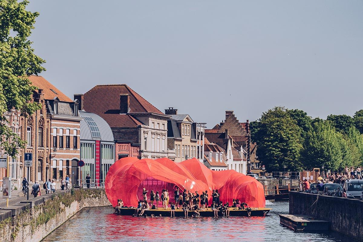 Refuse to hibernate Triennale Bruges Selgascano pavillon prend vie