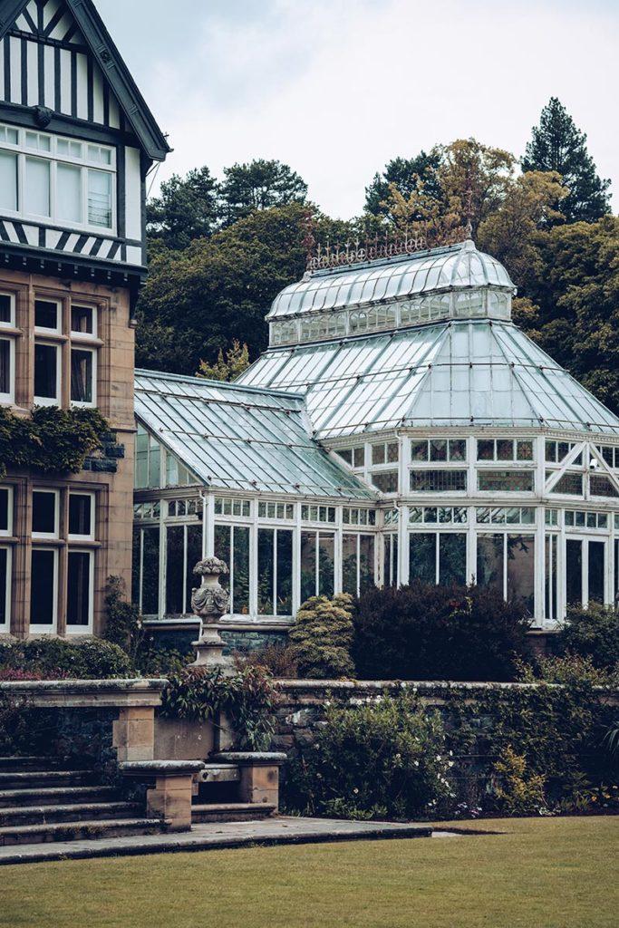 Refuse to hibernate Pays de Galles bodnant gardens verriere