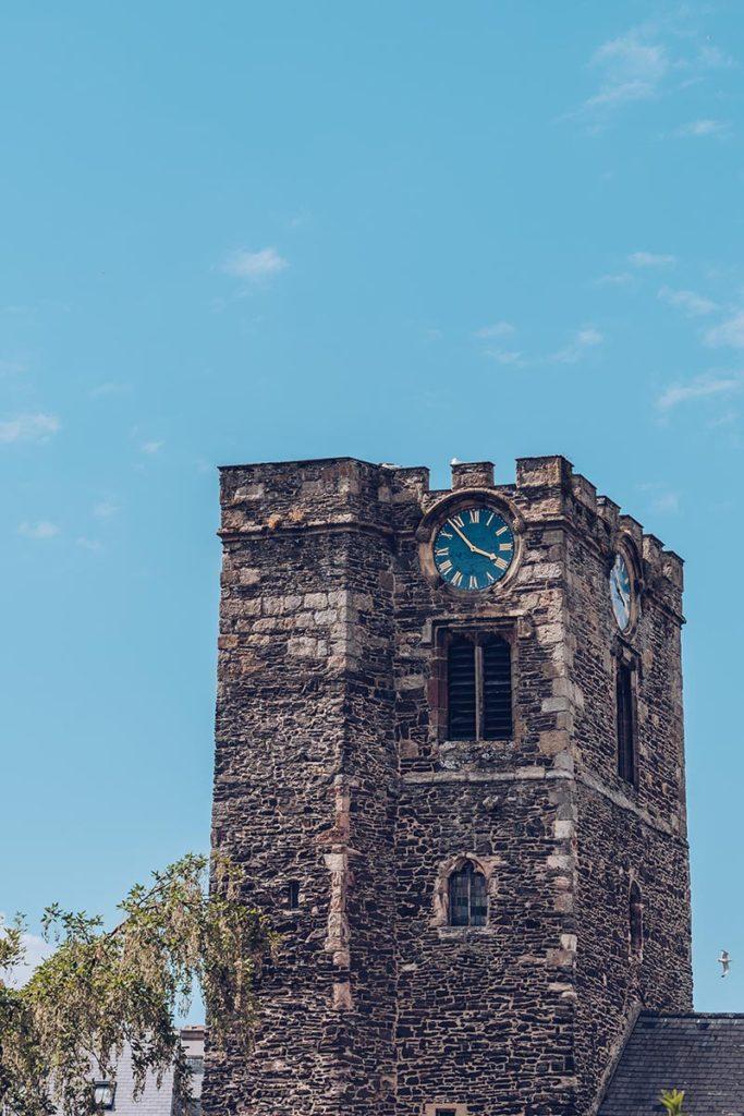 Refuse to hibernate Pays de Galles château de Conwy horloge