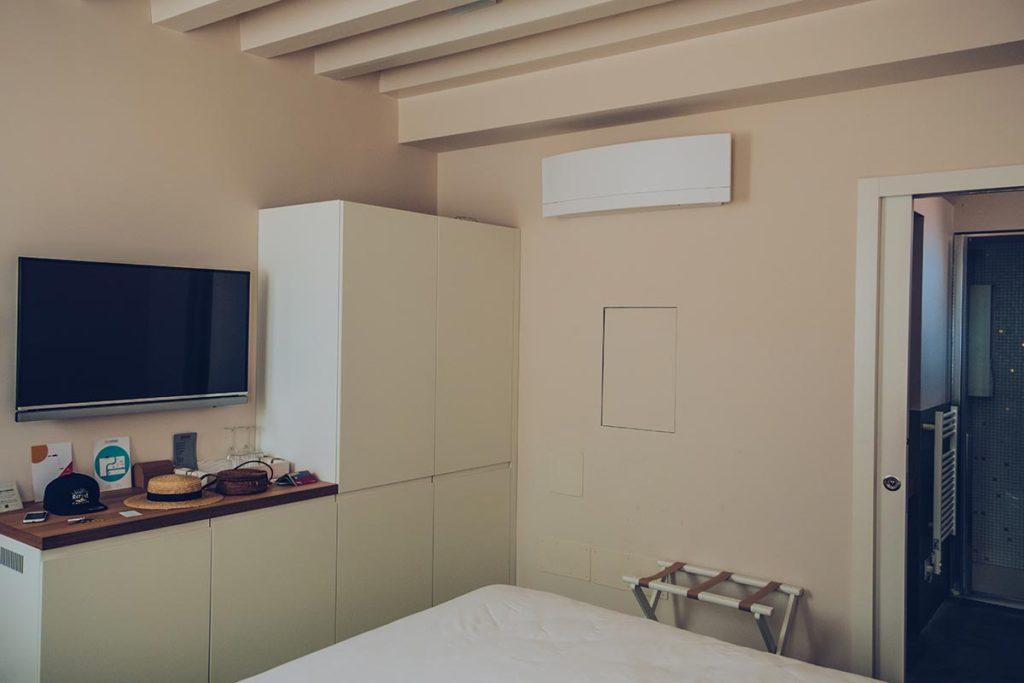 Refuse to hibernate Venise Casa Burano chambre tv