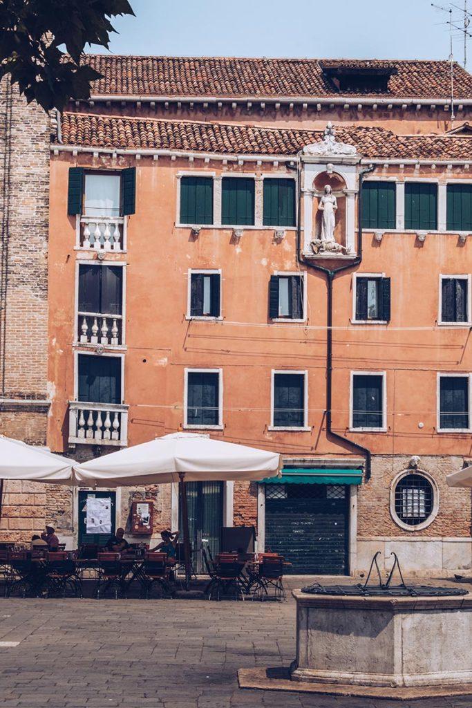 Refuse to hibernate Venise Place Campo Santa Margherita
