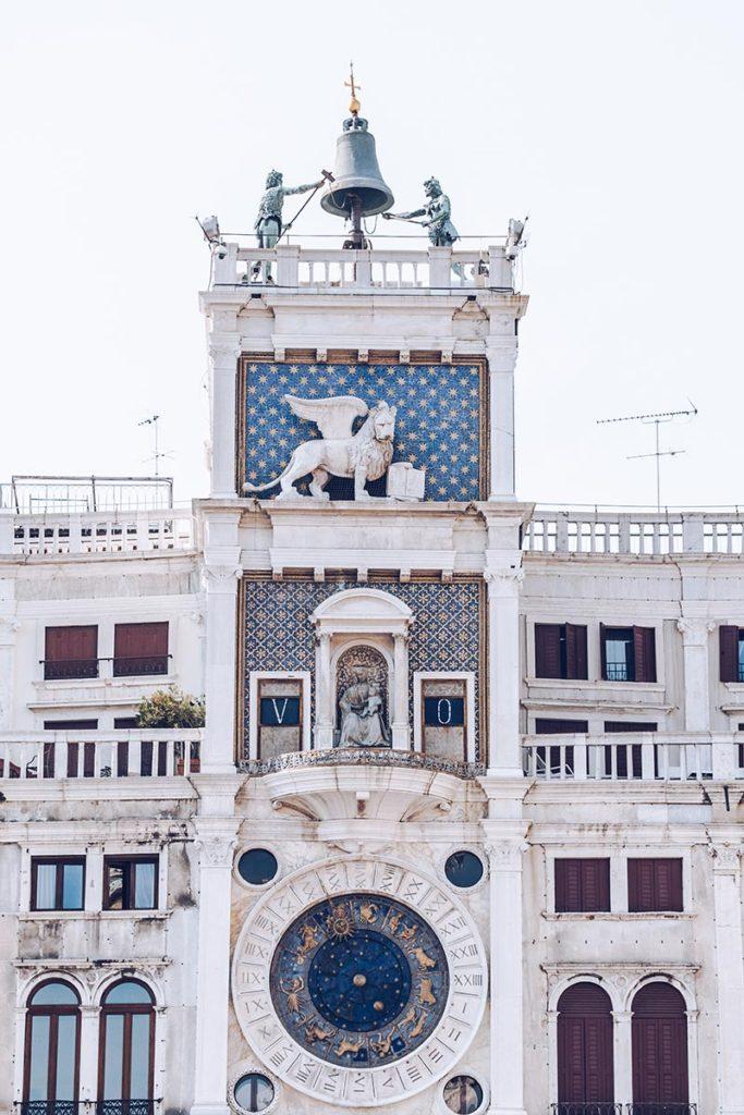 Refuse to hibernate Venise Tour de l'Horloge de Saint-Marc