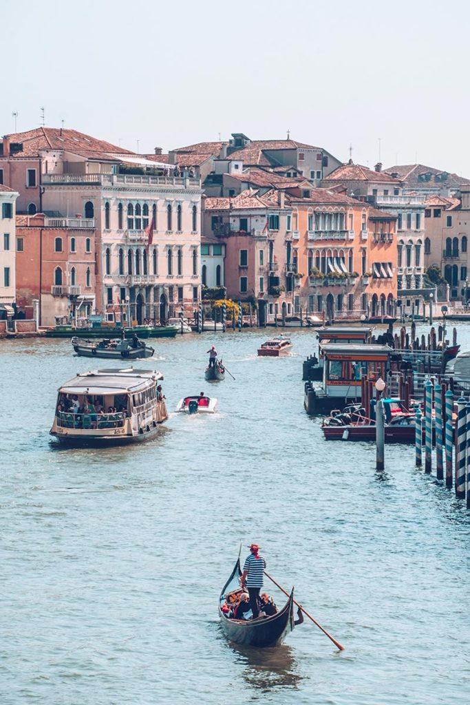 Refuse to hibernate Venise vue du pont des Déchaussés