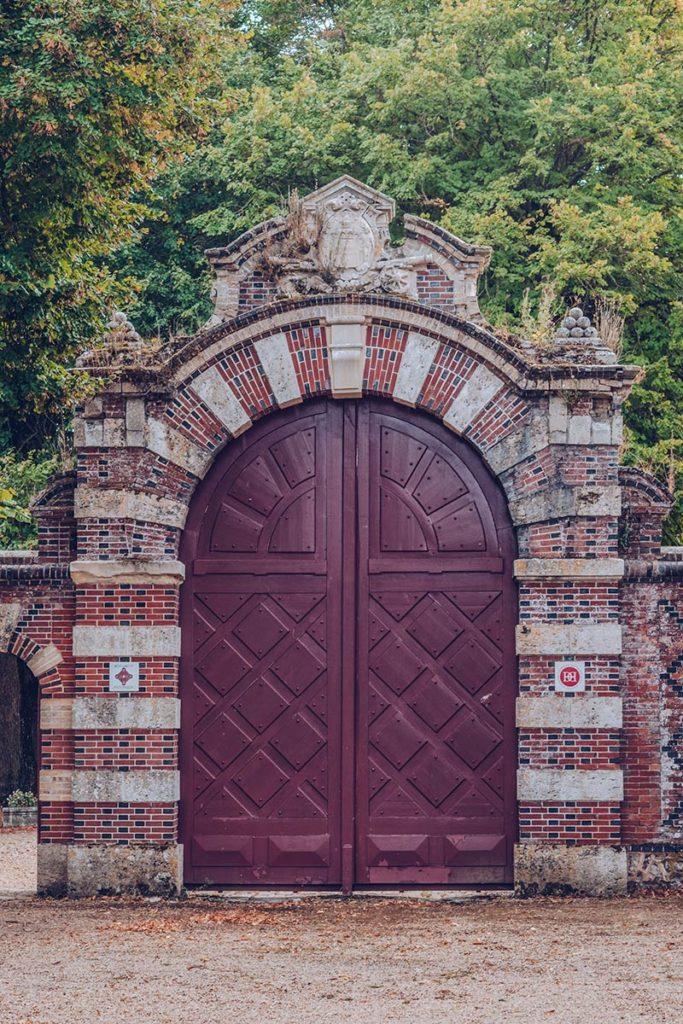 Eure-et-Loir Château de Villebon porte entrée Refuse to hibernate
