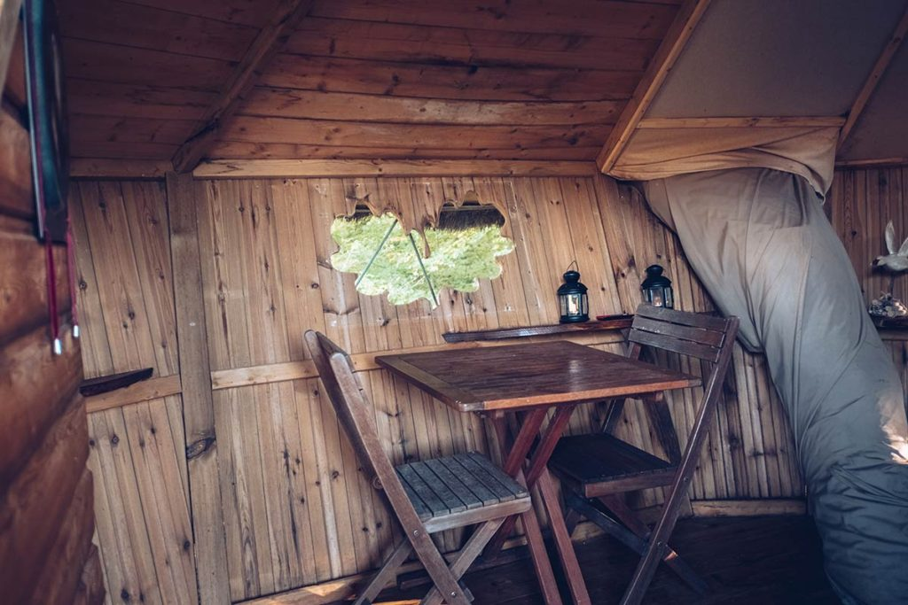 Eure-et-Loir domaine du Bois Landry table cabane Refuse to hibernate