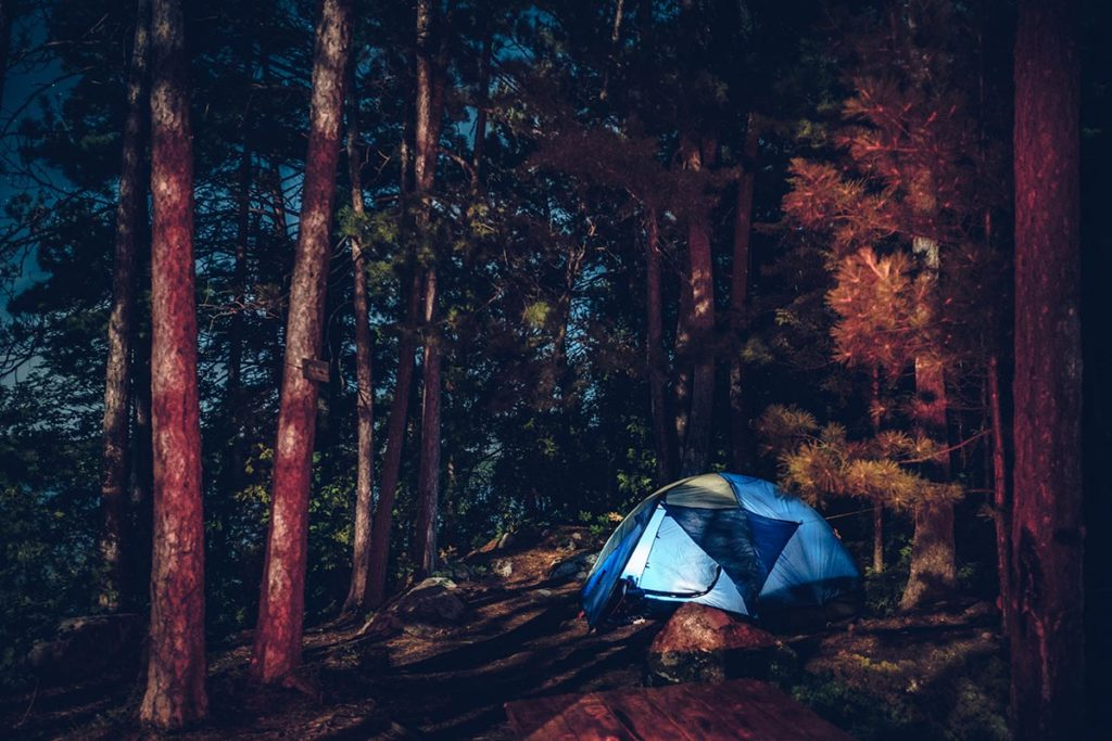 Refuse to hibernate Québec lac des 31 milles tente de nuit
