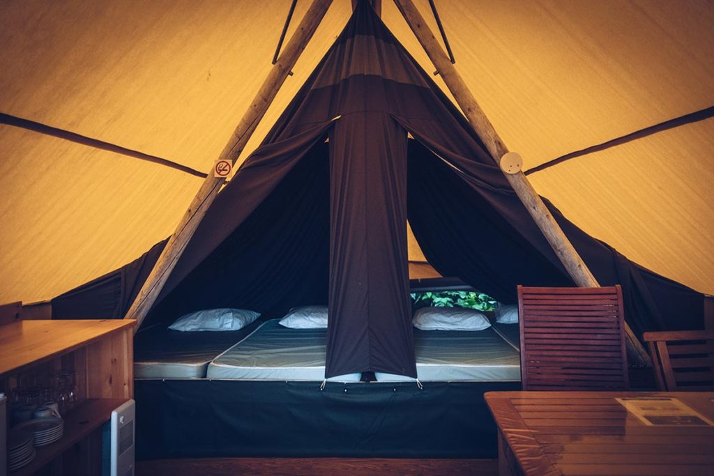 Refuse to hibernate Québec Parc national de Plaisance tente Huttopia intérieur
