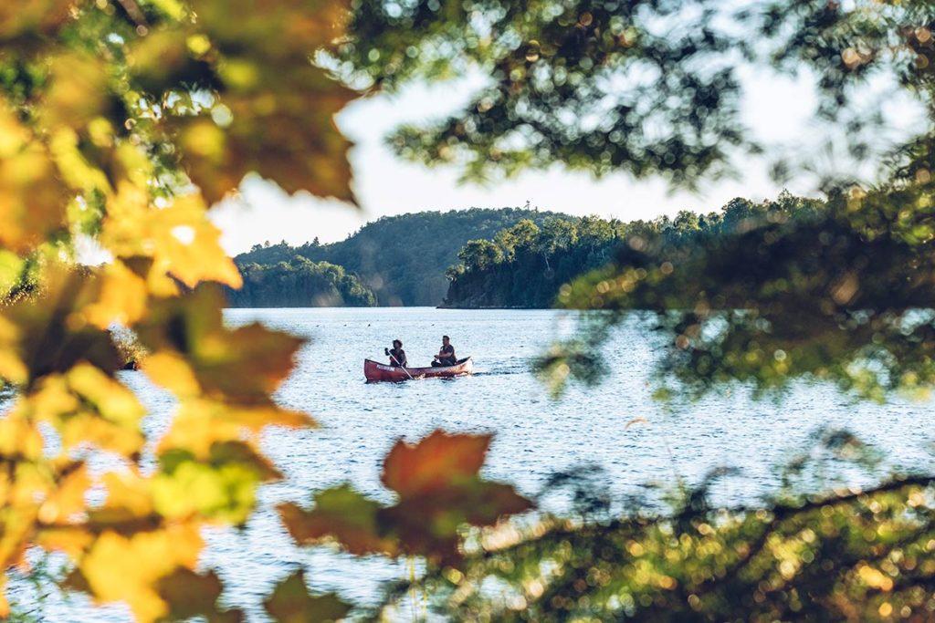 Refuse to hibernate Québec parc régional du Poisson Blanc canoë