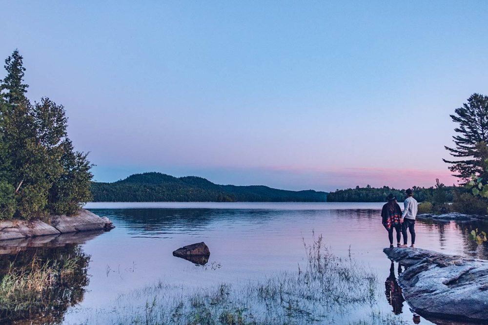 Refuse to hibernate Québec parc régional du Poisson Blanc ciel rose