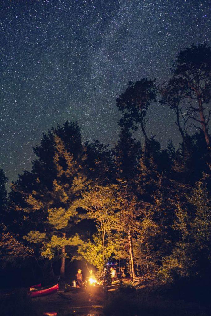 Refuse to hibernate Québec parc régional du Poisson Blanc feu de camp