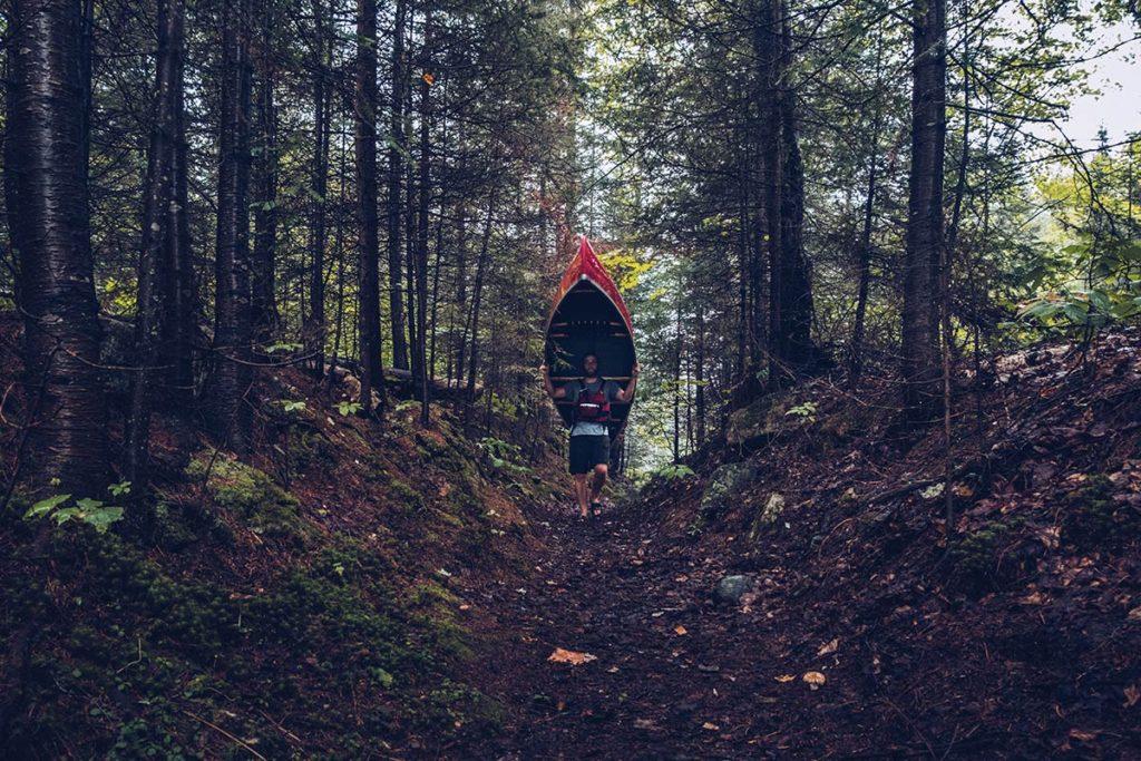 Refuse to hibernate Québec portage canot lac Kipawa