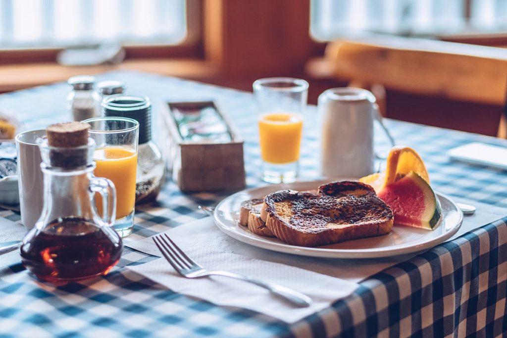 Refuse to hibernate Québec Pourvoirie Mekoos petit-déjeuner