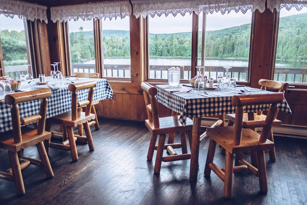 Refuse to hibernate Québec Pourvoirie Mekoos restaurant