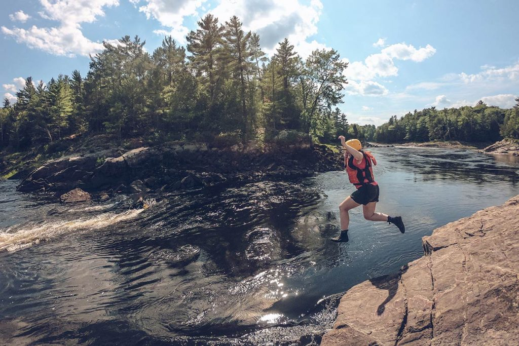 Refuse to hibernate Québec rafting Audrey jump
