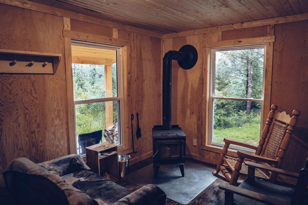 Refuse to hibernate Québec Refuse Pageau chalet salon