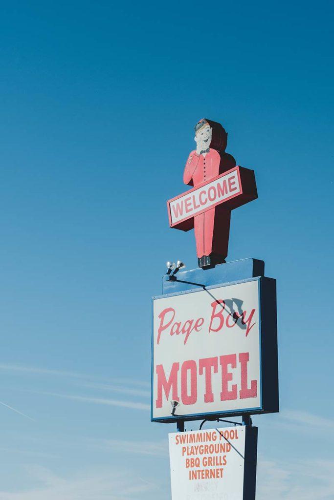 États-Unis Antelope Canyon Page Boy Motel enseigne Refuse to hibernate