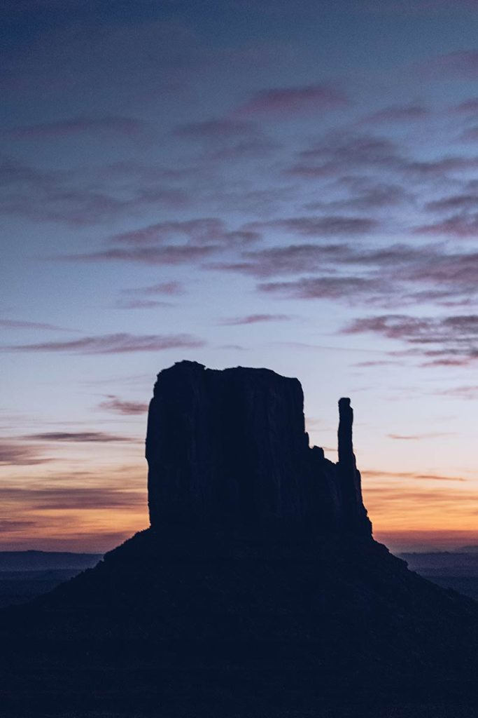 Monument Valley West Mitten Butte lever de soleil Refuse to hibernate