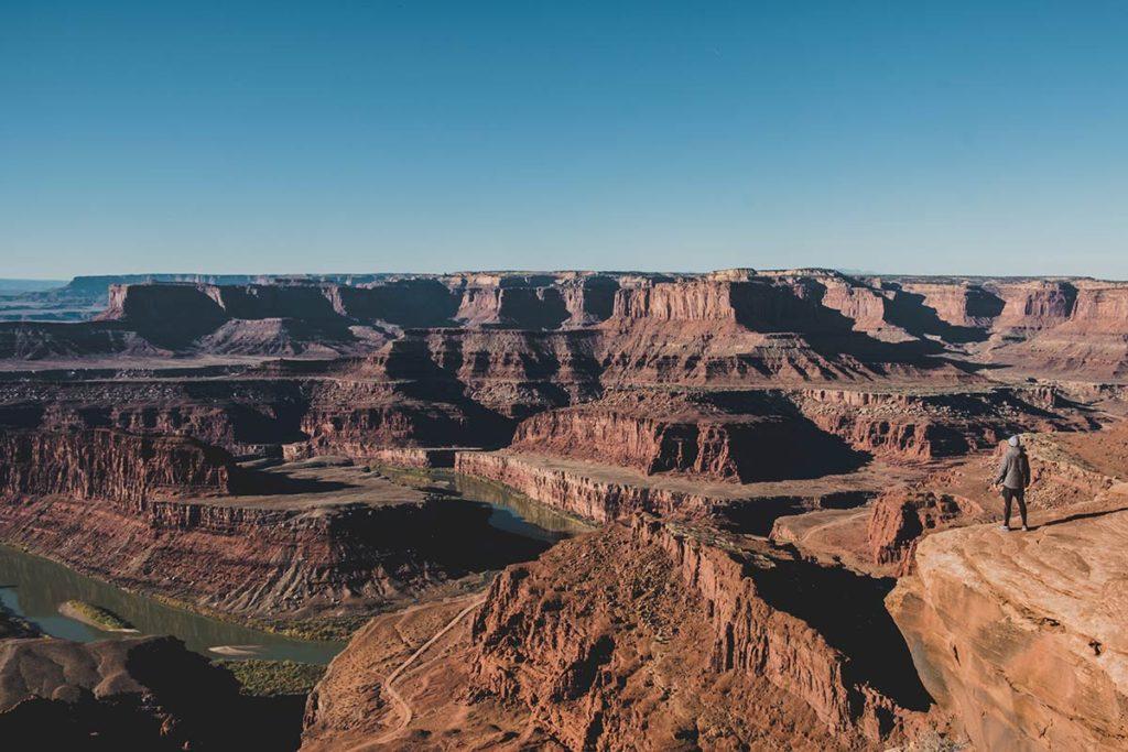 Utah Dead Horse Point state park Mickaël devant vide Refuse to hibernate