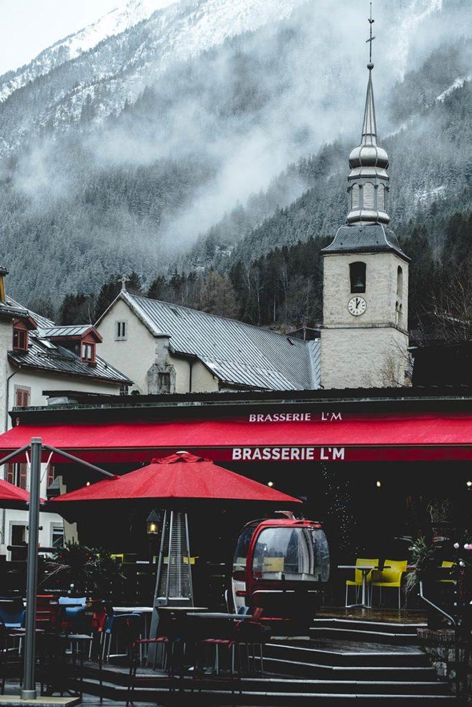Chamonix centre-ville église Refuse to hibernate