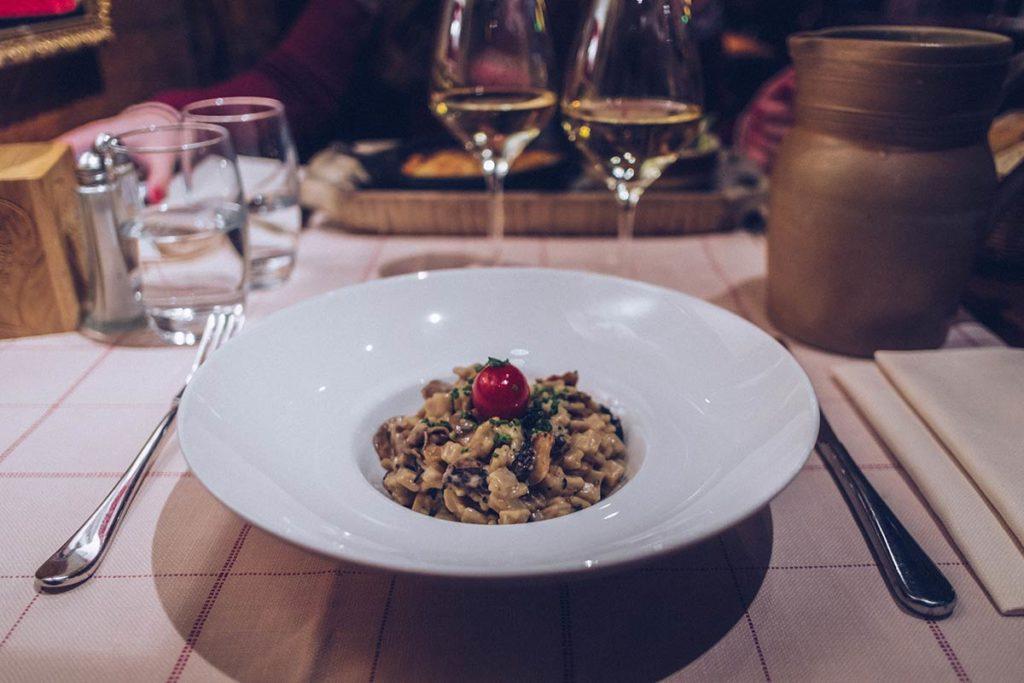 Chamonix restaurant la calèche crozes Refuse to hibernate