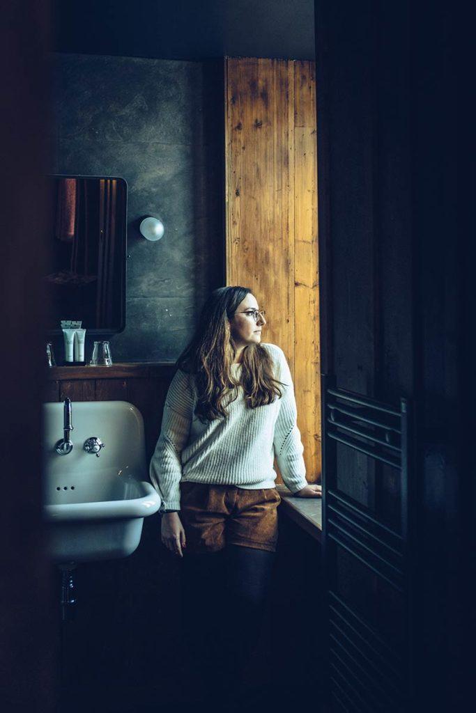 Chamonix Terminal Neige Audrey dans la salle de bain Refuse to hibernate