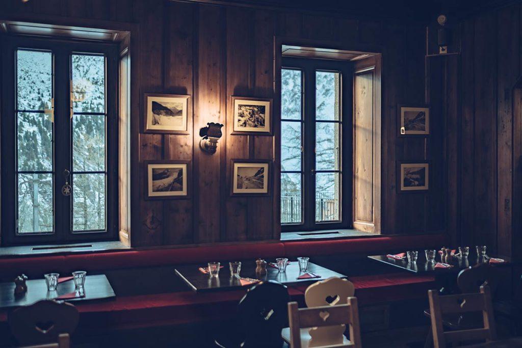 Chamonix Terminal Neige salle restaurant Refuse to hibernate