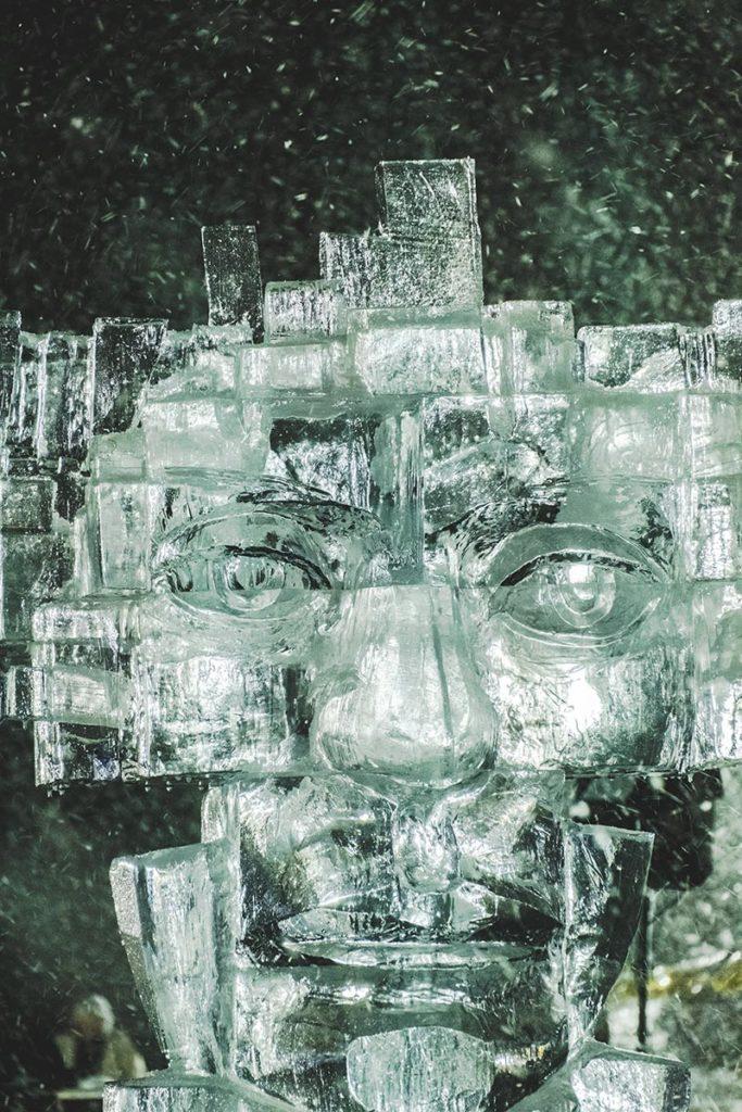 Valloire refuse to hibernate sculpture sur glace visage focus