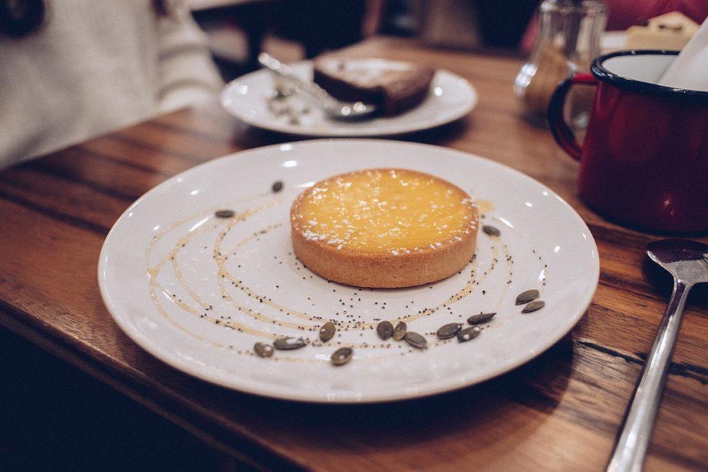Fête des Lumières les Cafetiers dessert Refuse to hibernate