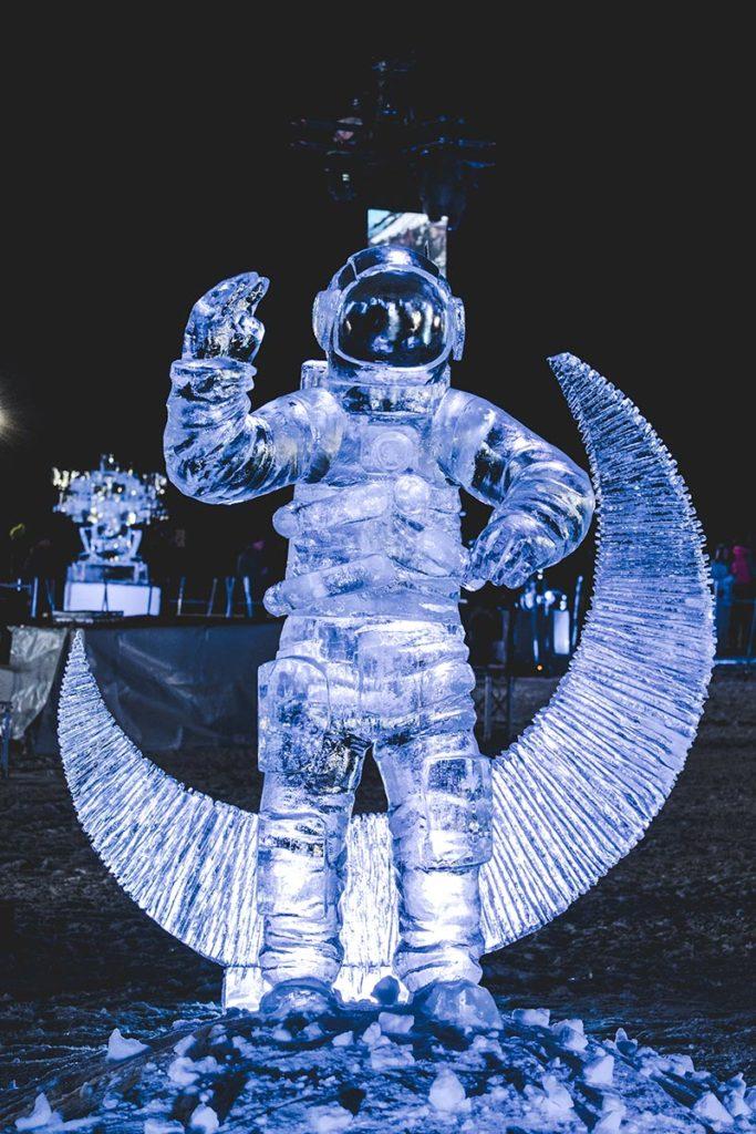 Valloire refuse to hibernate sculpture sur glace cosmonaute