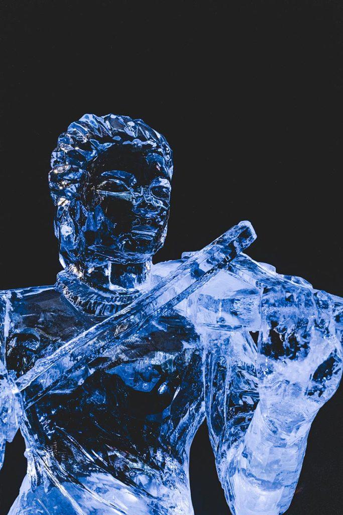 Valloire refuse to hibernate sculpture sur glace violon