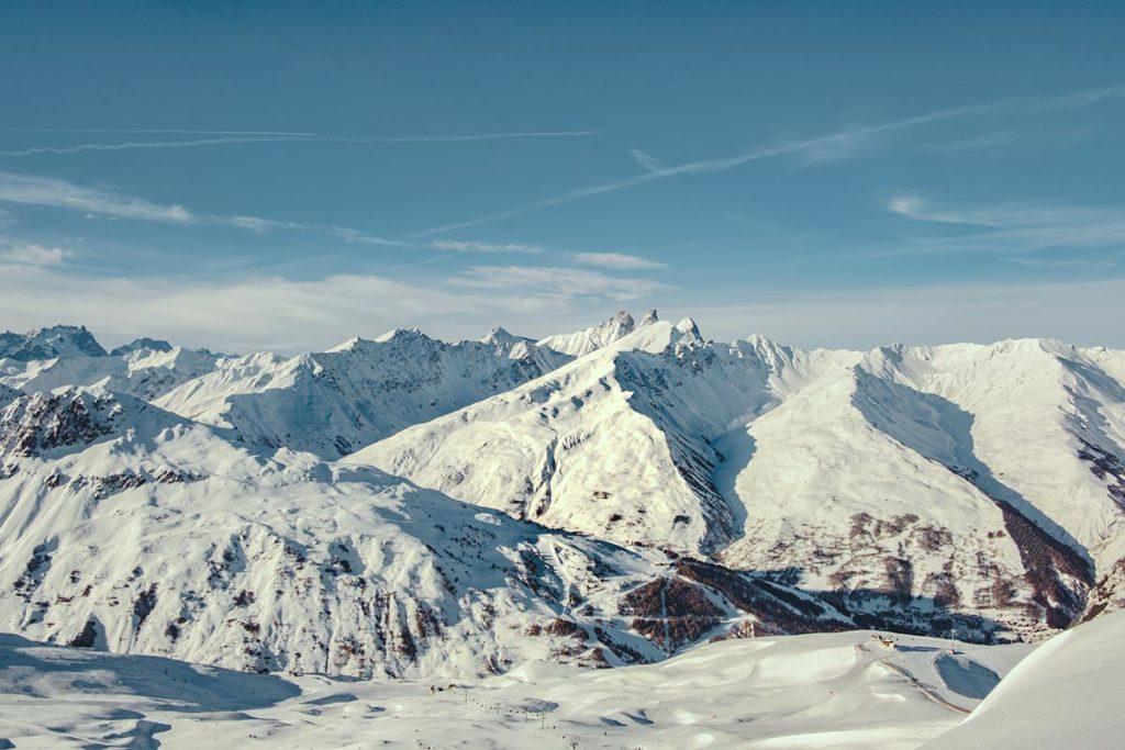 Valloire refuse to hibernate vue sur les Aiguilles d'Arves