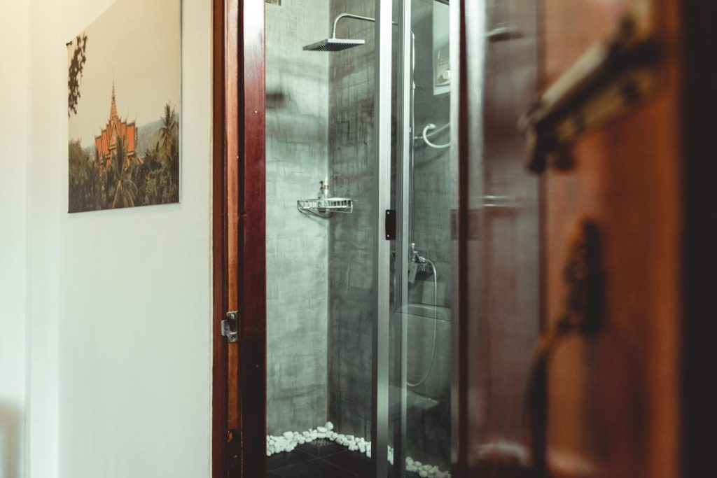 Cambodge Battambang Sangker Villa salle de bain Refuse to hibernate