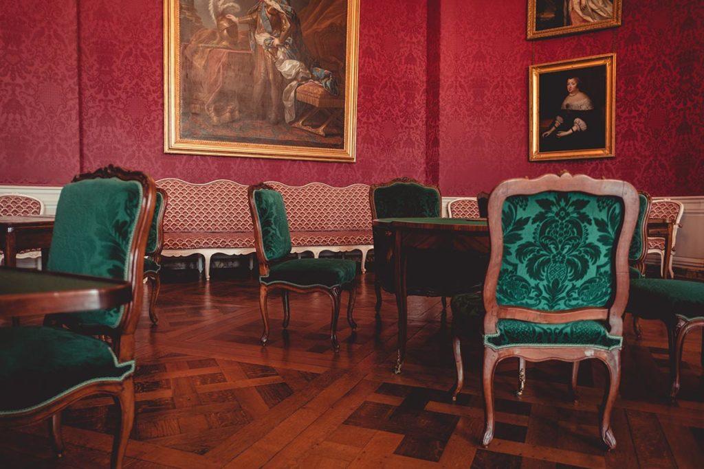 Châteaux de la Loire Chambord salle de jeux Refuse to hibernate