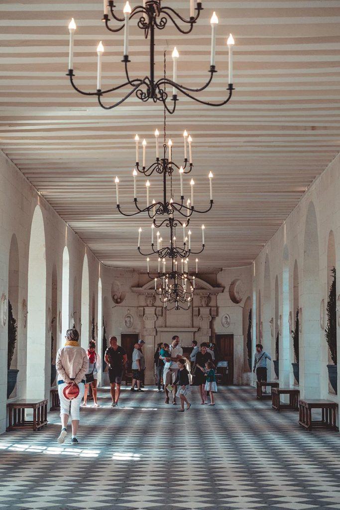 Châteaux de la Loire Chenonceau grande galerie Refuse to hibernate