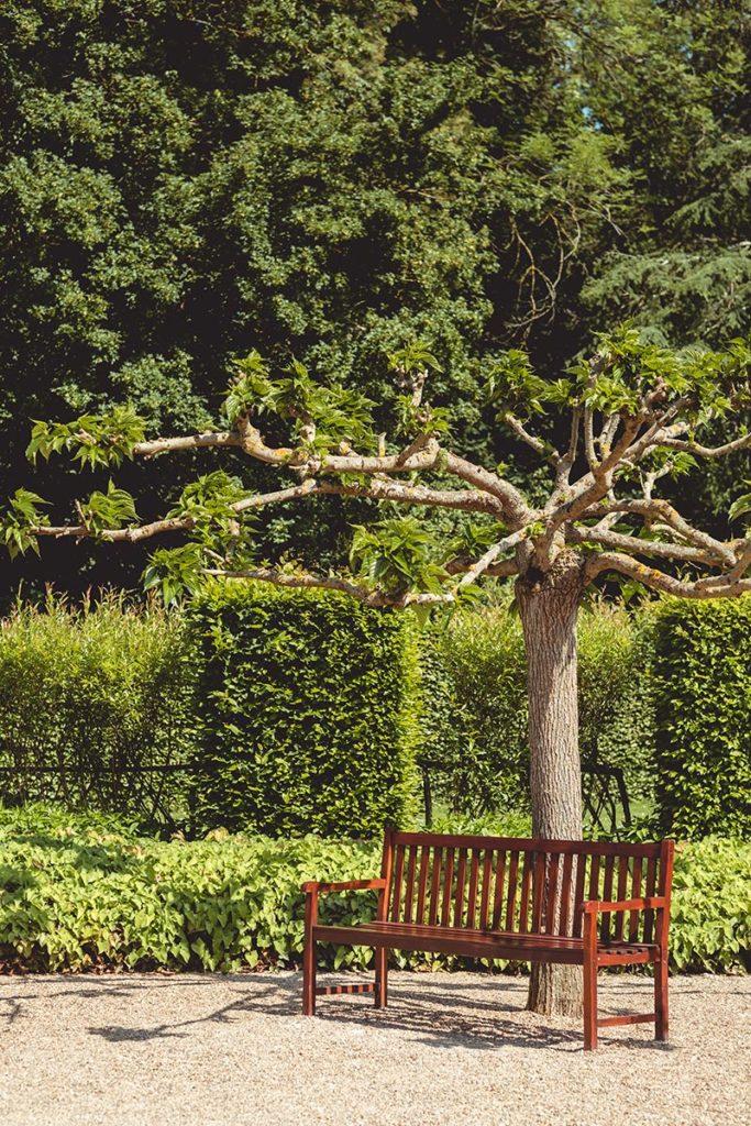 Châteaux de la Loire Cheverny jardin banc Refuse to hibernate