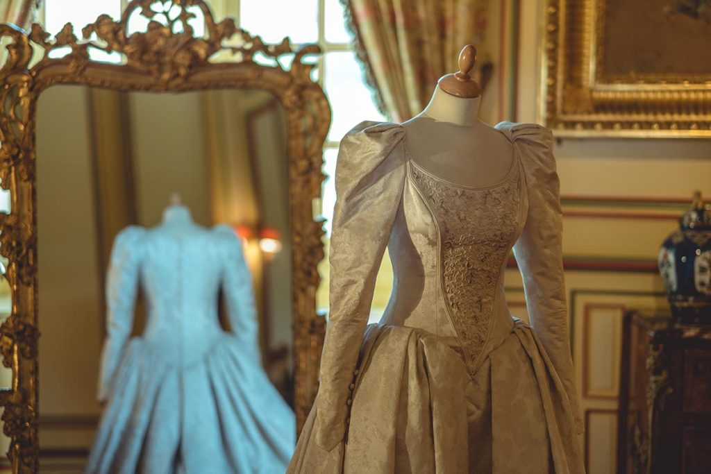 Châteaux de la Loire Cheverny robe Refuse to hibernate