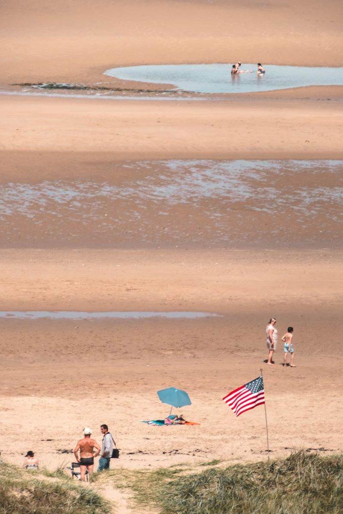 Débarquement Normandie Omaha Beach drapeau focus Refuse to hibernate