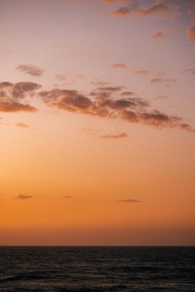 Baie de Somme falaises d'Ault ciel orange Refuse to hibernate