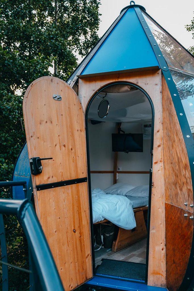 Baie de Somme logement insolite goutte d'O chambre lit Refuse to hibernate
