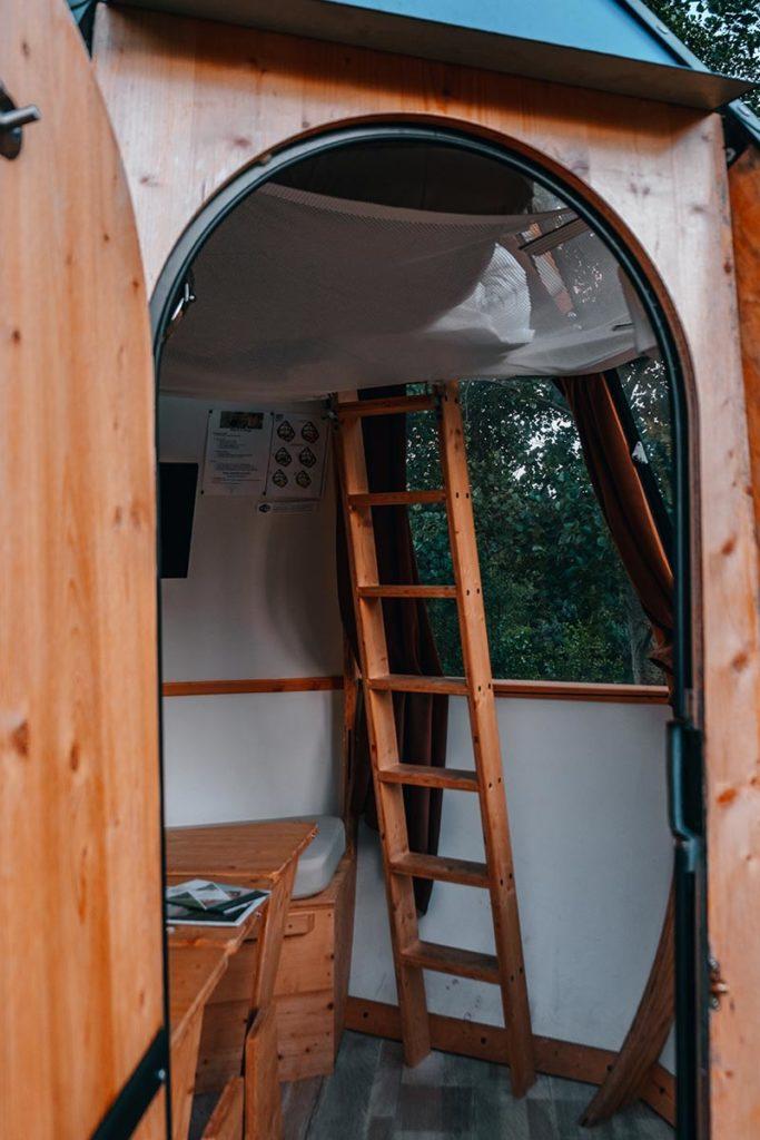 Baie de Somme logement insolite goutte d'O intérieur échelle Refuse to hibernate