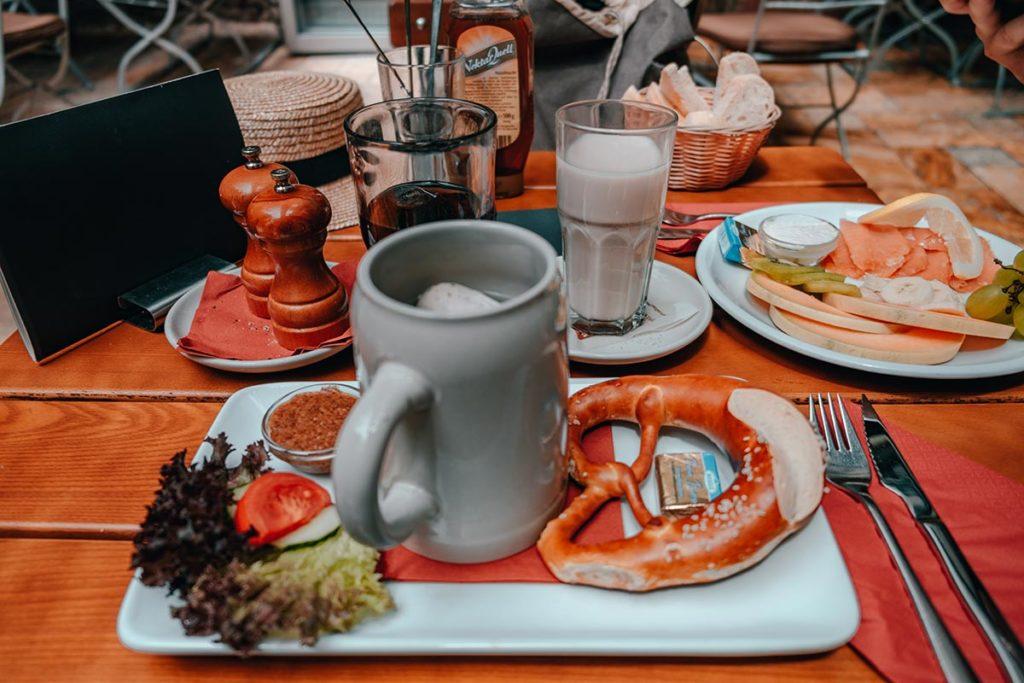 Pforzheim visiter restaurant Rodensteiner bavarian breakfast Refuse to hibernate