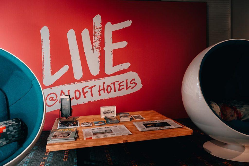 Stuttgart visiter en 1 jour Aloft hôtel hall accueil Refuse to hibernate