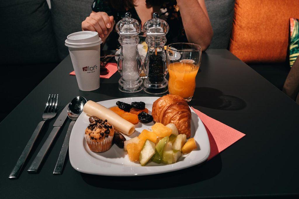 Stuttgart visiter en 1 jour Aloft hôtel petit-déjeuner Refuse to hibernate
