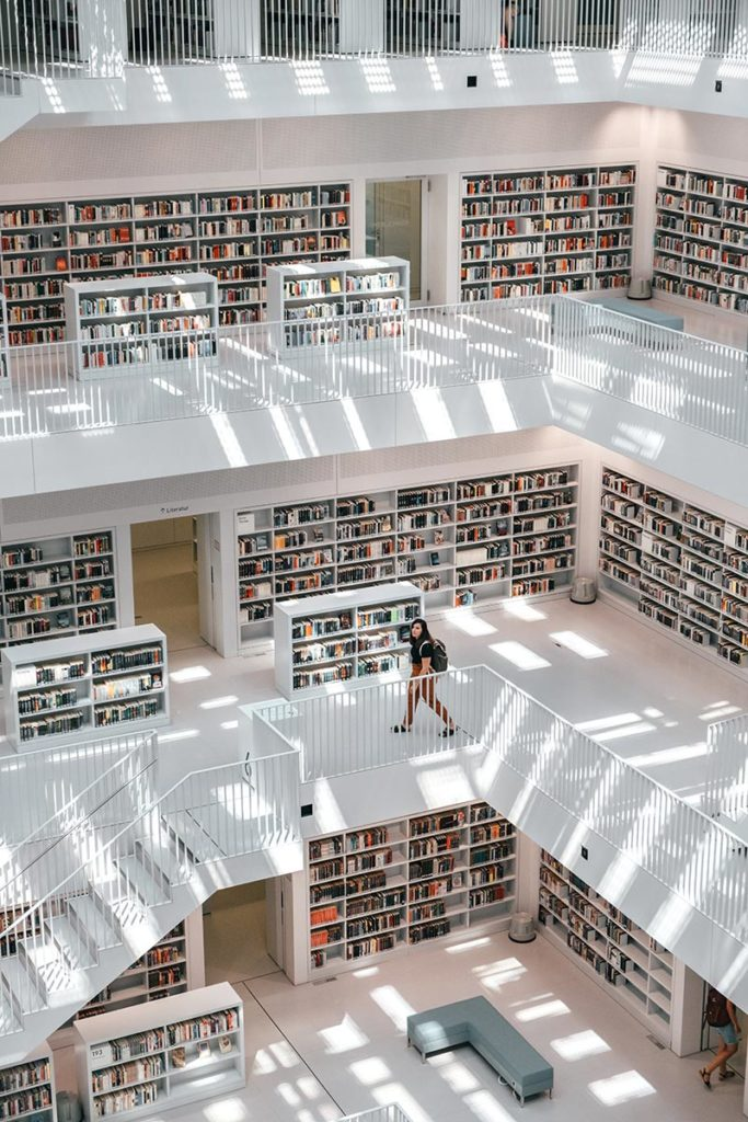 Stuttgart visiter en 1 jour Bibliothèque intérieur Refuse to hibernate